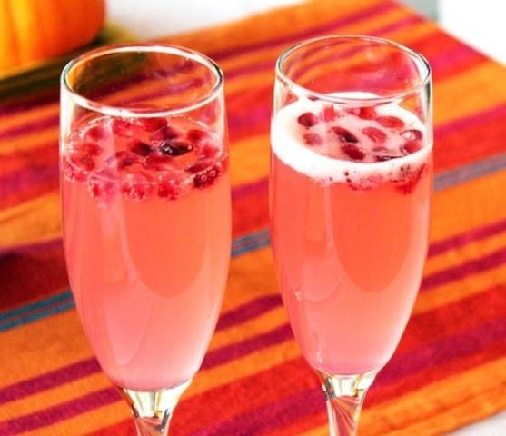 rachel-meatified-cranberry-vodka-cocktails-wm-640x644
